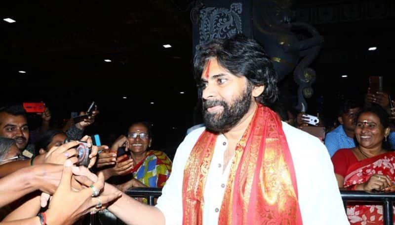 janasena chief pawan kalyan fires on ys jagan over english medium