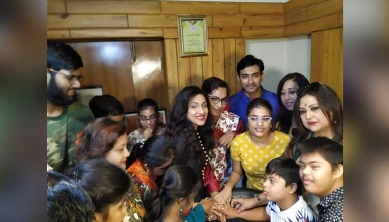 Rituparna Sengupta celebrates Childrens Day by cutting cakes with special children