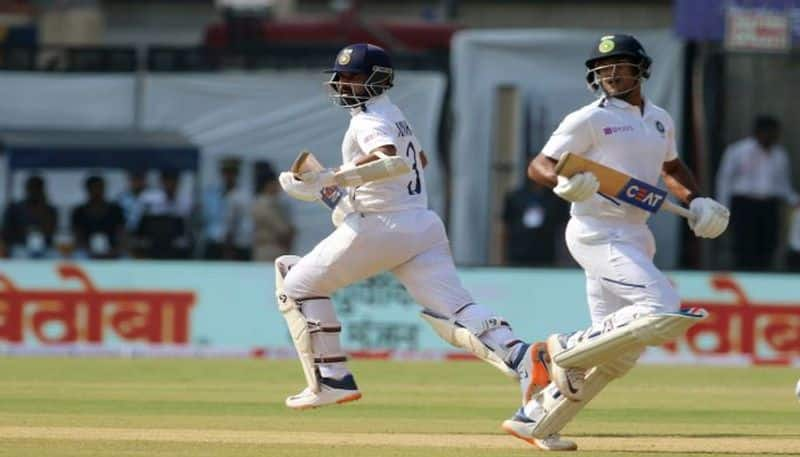 India on the way to score big run in the first innings