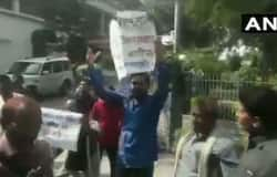 Argument breaks out between Union Minister and the people