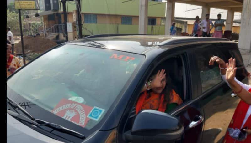 BJP leader Sujata Khan uses govt car to attend BJP programme in Purulia