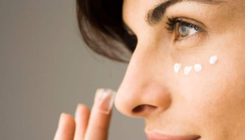 Different uses of concealer to get complete makeup