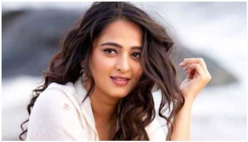 anushka nishabdam movie release postponed