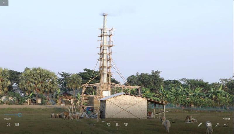 Illegal chalkstone making chimney spreads pollution in East Kolkta Wet Land
