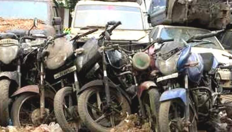 Police stations impounded vehicles are creating Dengue phobia for KMC