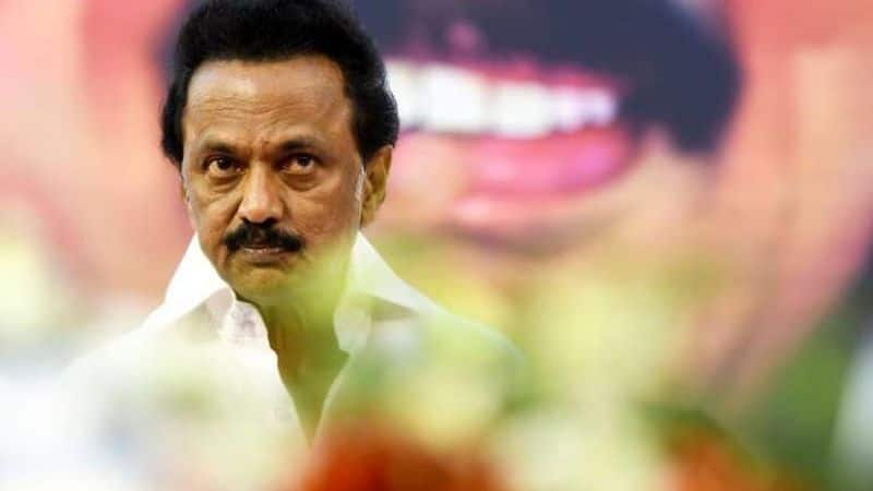 DMK functionaries tie up with ADMK Ministers