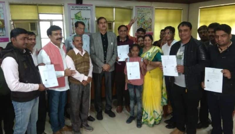 Indian citizenship granted to 21 Hindu migrants from Pakistan in Rajasthan