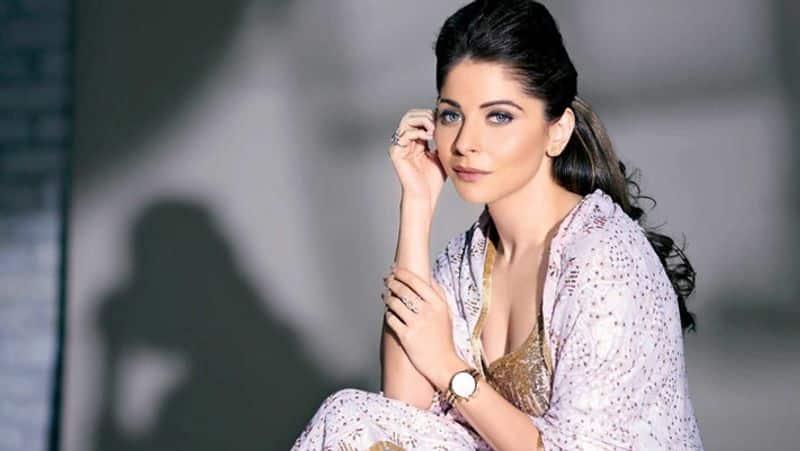 Bollywood singer Kanika kapoor Covid 19 positive