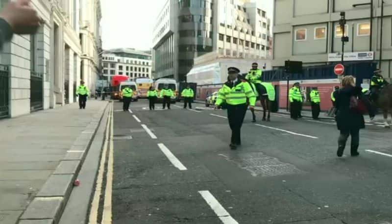 Suspected terror attack on London bridge injures many