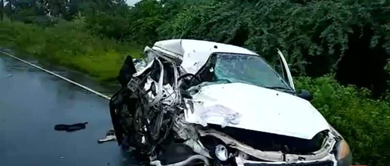 two persons died in an accident
