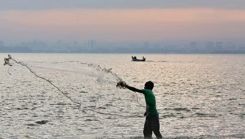 corona reflection tn govt trying to bring 300 fishermens from iran