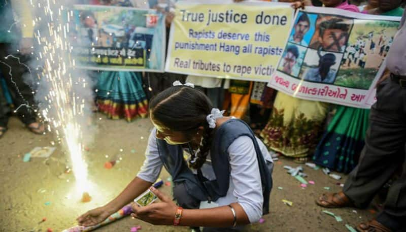Telengana High Court orders state government to preserve bodies of accused killed in encounter
