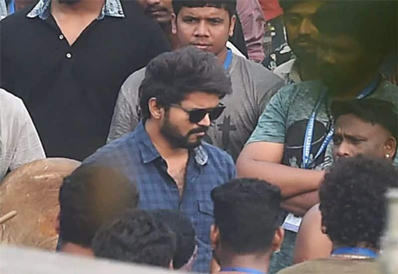 actor vijay is in trouble with income tax officers