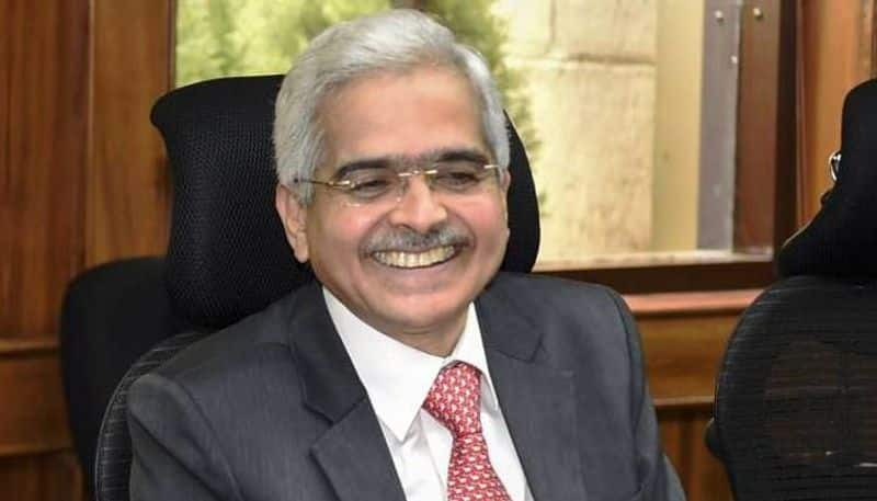 Momentum gathering pace on credit growth, says RBI chief