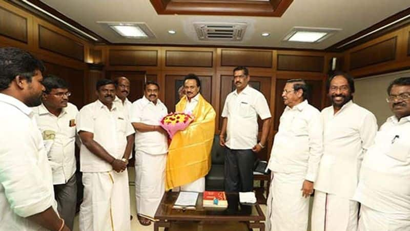 The dream of becoming a minister ... The candidate who wants to defeat the former minister ... Enter the DMK ..!