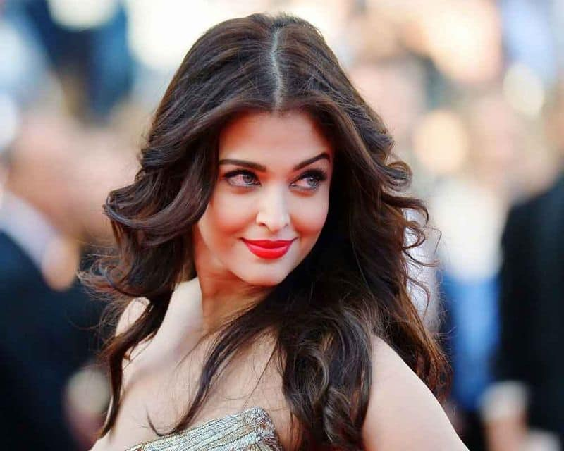 The film she will regret rejecting the most would be Kuch Kuch Hota Hai, Heroine, Bhool Bhulaiyaa and Munnabhai MBBS; but due to various reasons, these projects could not take off back then starring Ms Rai. Check out the long list of Bollywood movies that Aishwarya Rai rejected.
