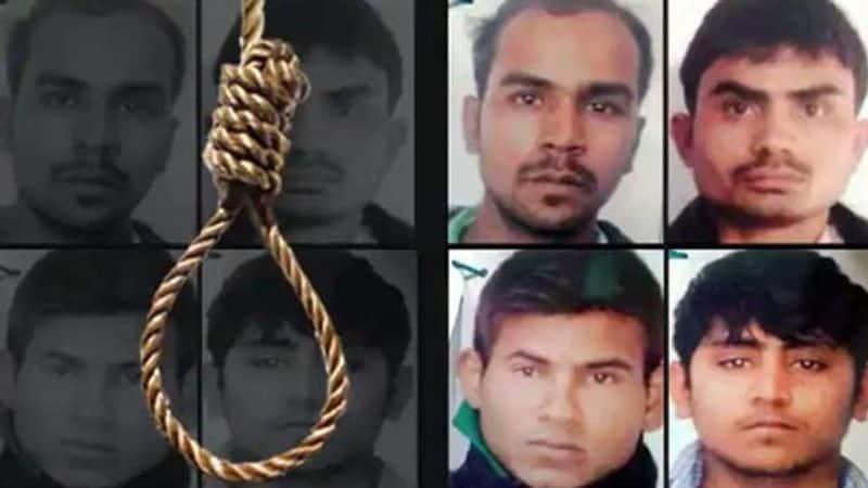 Nirbhaya case: Supreme Court dismisses review plea of rapist; convict seeks time for mercy plea