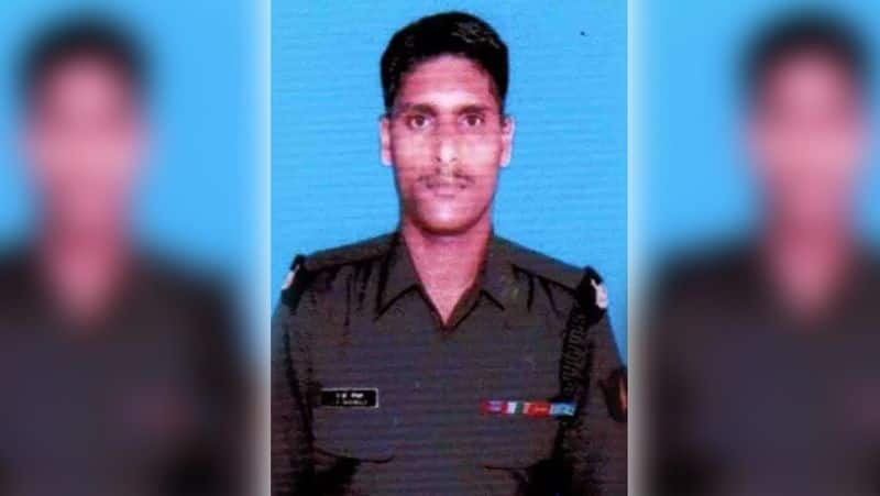 Two soldiers martyred on Pakistan border kpa