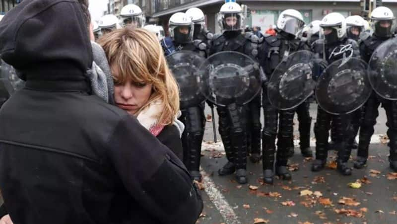Heart touching viral photos captured during protest caa nrc kph