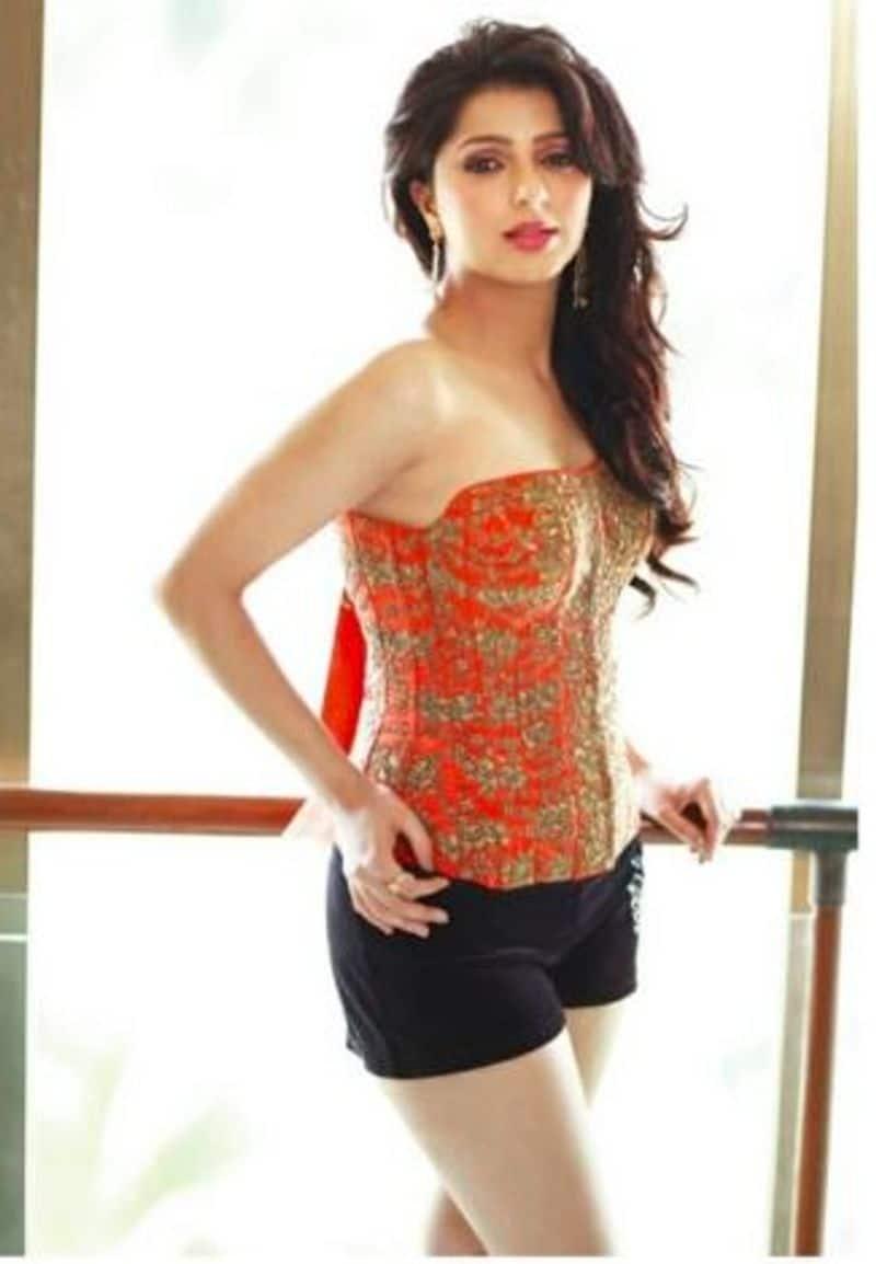 Actress Bhumika Chawla Hot Topless Photo Going Viral