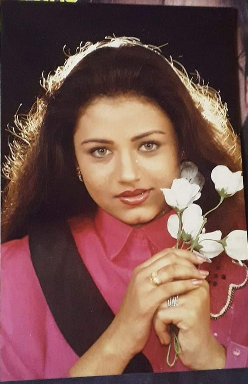 actress sivaranjani fatherinlaw dead celebrities condolence