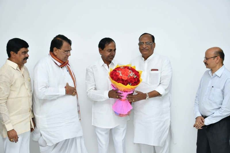 ministers new year wishes to telangana cm kcr