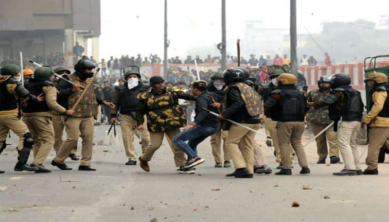 Delhi police identifies illegal Bangladeshi immigrants behind violence in Delhi during anti CAA protests