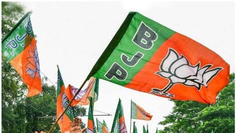 BJP impressed with Kerala's COVID-19 fight, slams Maharashtra