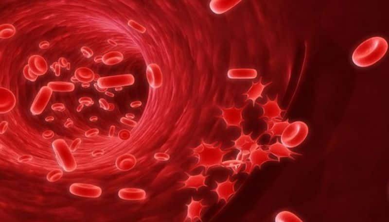 <p>কোষ্ঠকাঠিন্য- &nbsp;শরীরের কোষগুলিতে সঠিক মাত্রায় রক্ত সরবরাহ না হওয়ার কারণে ডায়রিয়া, ঘন ঘন পেটে ব্যথা, কোষ্ঠকাঠিন্য বা হজমজনিত সমস্যা তৈরি হয়।</p>