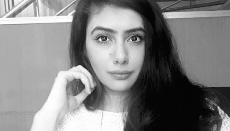 Yana Mirchandani demolishes claims of violence in valley, shares the real story of Kashmir post abrogation