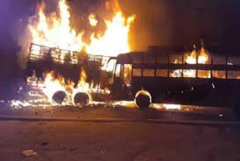 Bus and truck collision in Kannauj, 20 passengers died due to fire