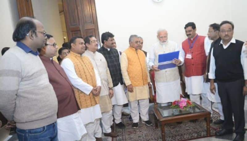Narendra Modi ask Mukul roy about Political situation in Bengal