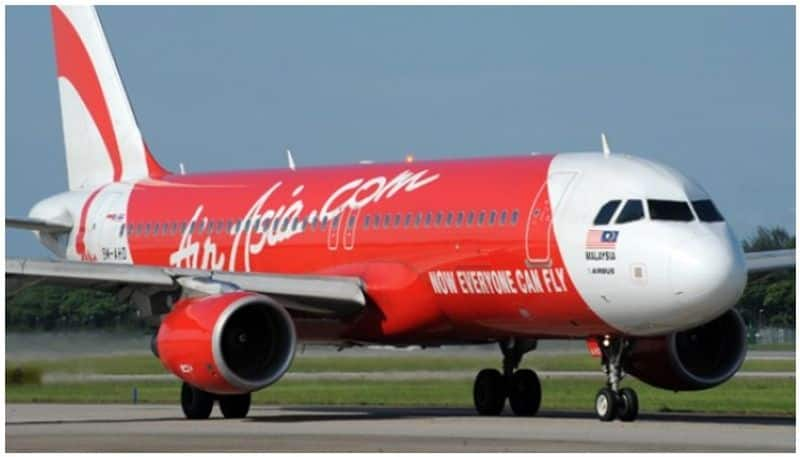 due to technical problem air Asia Jaipur Hyderabad flight makes emergency landing