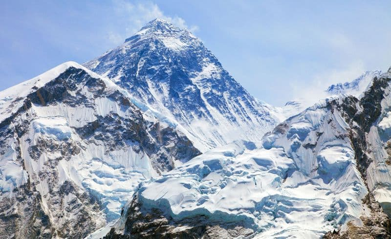 grass growing around Everest due to climate change