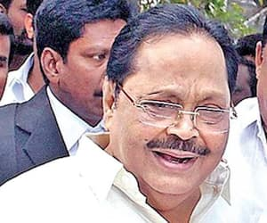 we are not beg congress to stay with dmk told Durai Murugan