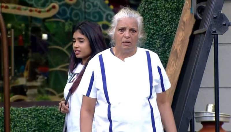 rajini chandy brokes down in bigg boss 2