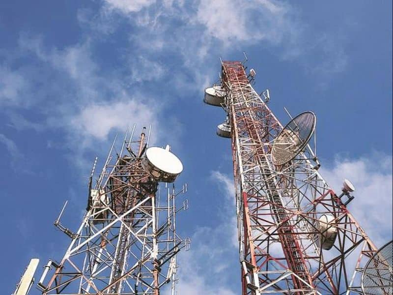 Bharti Airtel Pays Rs 10,000 Crore To Government