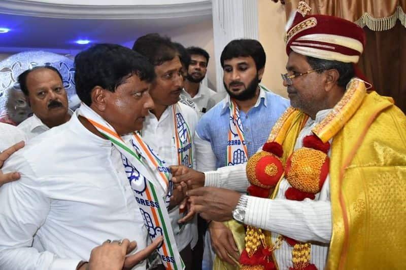 Chamrajpet JDS Leader Janab BK Altaf Khan and his Team Joins Congress