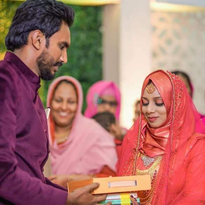 bride asked 100 books as Mahr went viral in social media