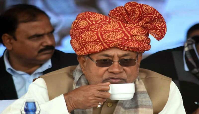 Nitish Kumar Slams Pavan Varma who questioned JD(U)-BJP tie-up for Delhi polls