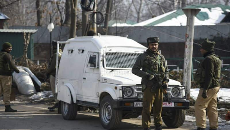 Jammu and Kashmir 2g mobile internet services to be restored in kashmir with restriction