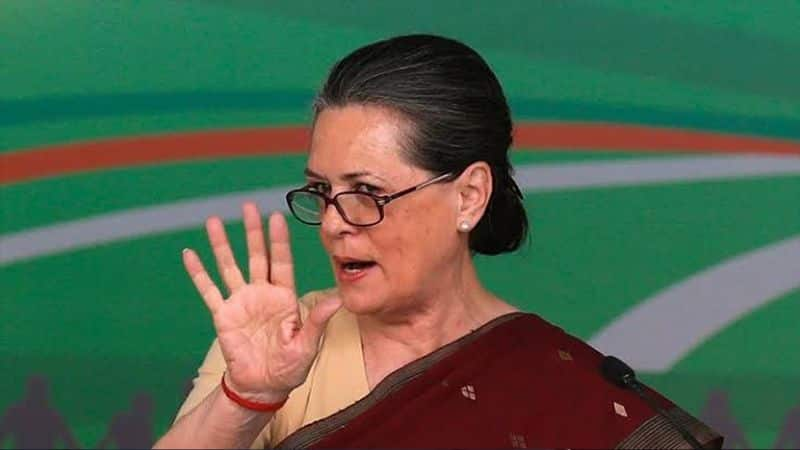 Congress angry over not calling Sonia for banquet, many leaders will not join