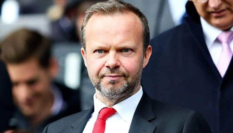 Manchester united chief executive Ed Woodward's house attacked by Man U fans