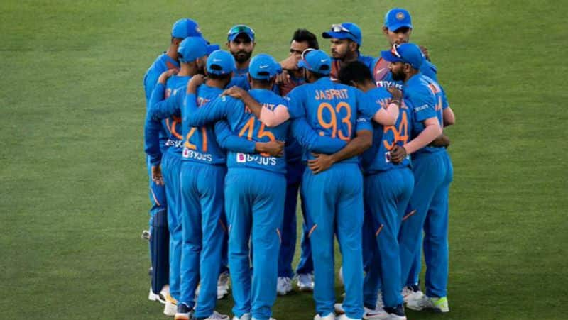 2 changes in indian team for second odi against new zealand