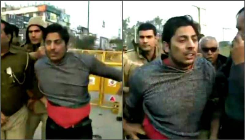 After Jamia, a man opens fire near Shaheen Bagh protest site