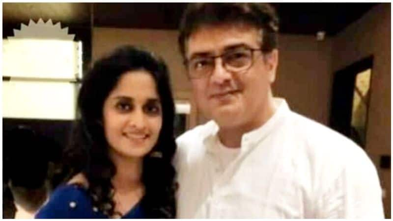ajith give the pose for wife shalini in valimai look viral photo