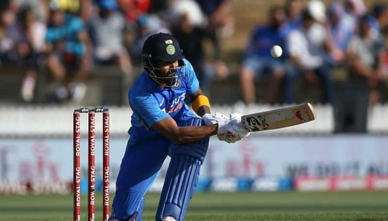 shreyas iyer kl rahul played well and india set tough target to new zealand in first odi