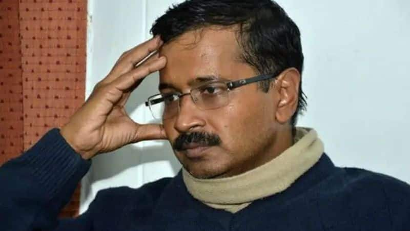 Kejriwal caught in 'Hindu-Muslim' video before voting, Election Commission sent notice