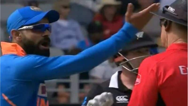 indian skipper virat kohli argue with on field umpire in second odi against new zealand