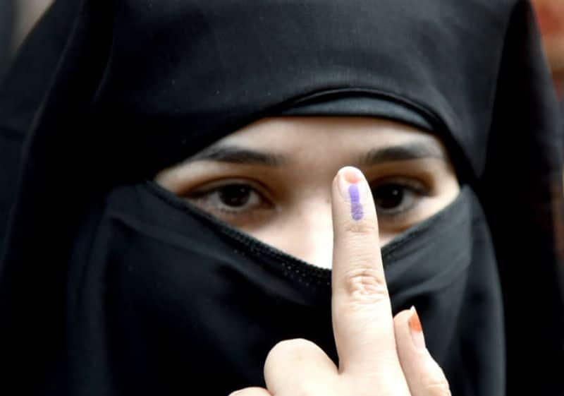 Ink mark on right-hand finger in Tirupati by-poll say SEC - bsb